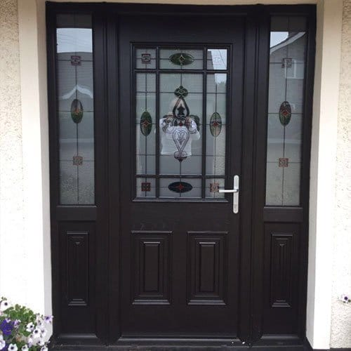 palladio style cairo with sidelights in black