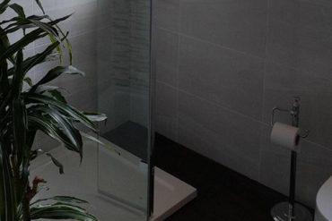 walk-in-shower-tray